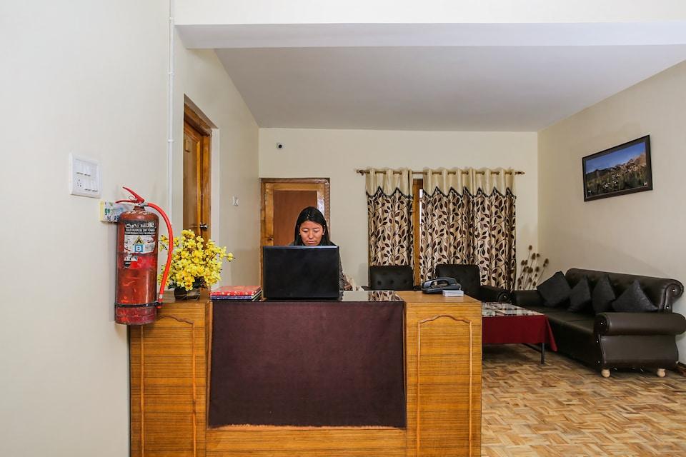 OYO 36549 The Stendel Villa