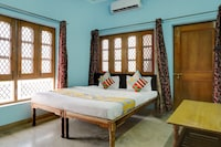 OYO Home 36585 Luxurious Studio Dehrakhas Dehradun