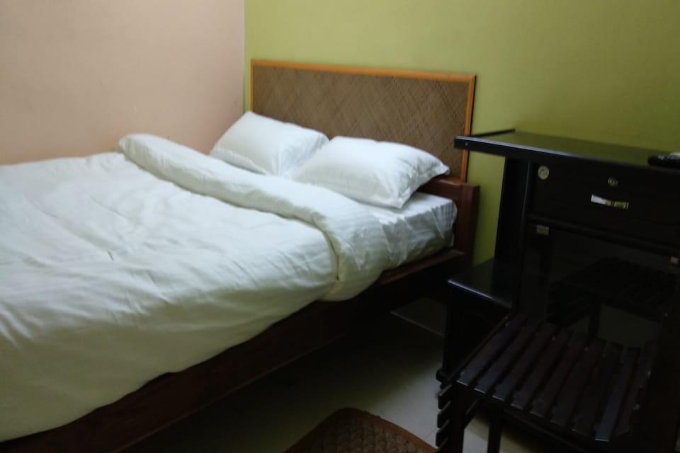 SPOT ON 36610 Hotel Triptrisree