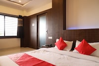 OYO 36612 Hotel Jagat Suite