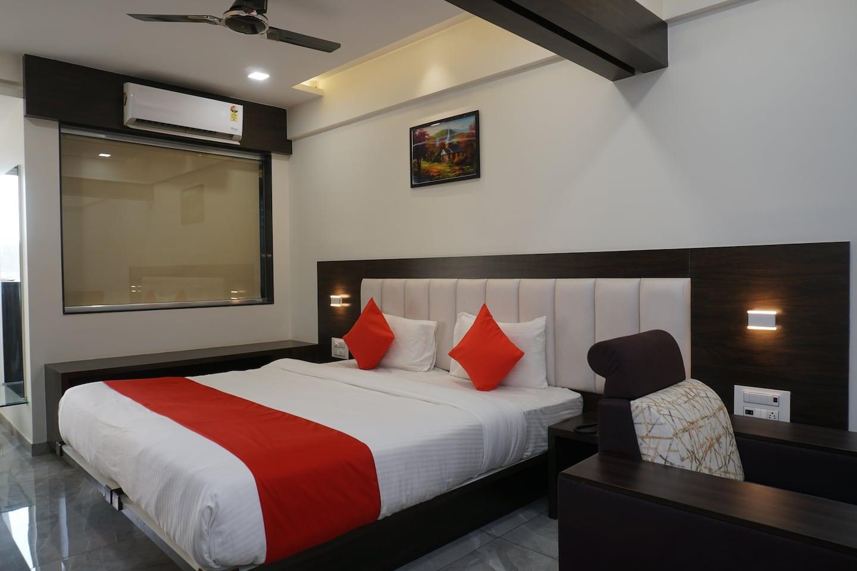OYO 36638 Hotel Sayaji Lodging -1