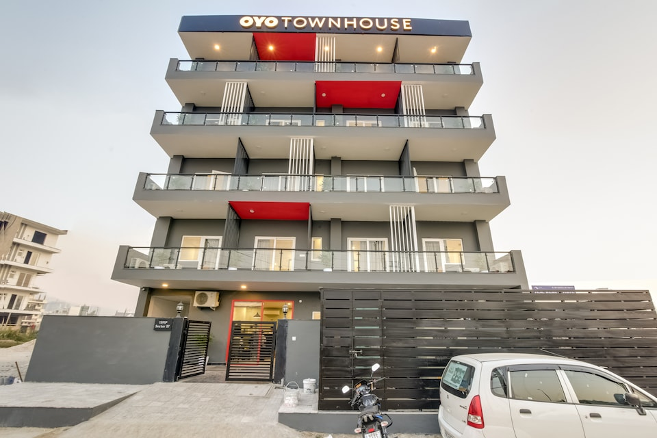 OYO Townhouse 184 Sector 57