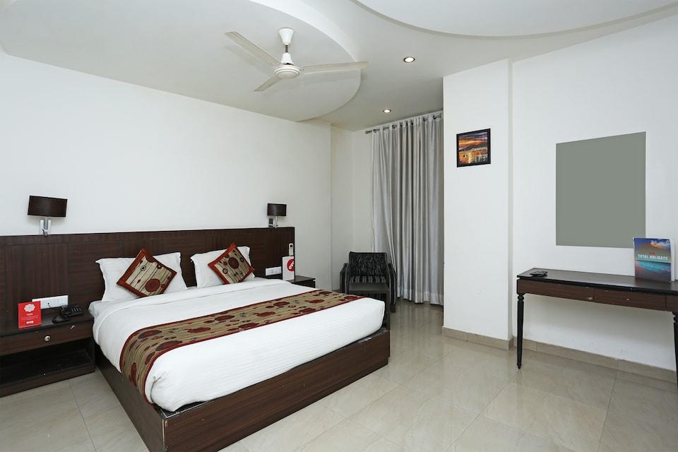 Capital O 3600 Hotel Royal Windsor