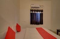 OYO 36675 Sri Varasiddi Vinayaka Residency
