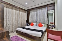 Capital O 36682 Hotel Keshav Deluxe