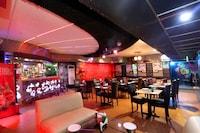 Capital O 36685 Hotel Taksonz Deluxe