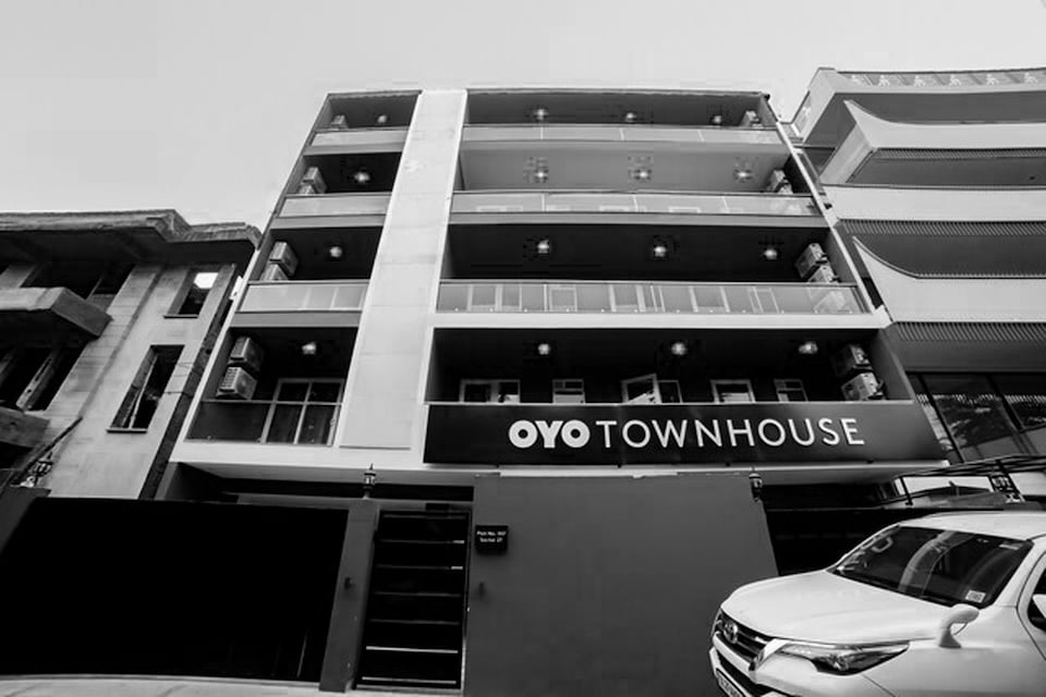 OYO Townhouse 185 Sector 27