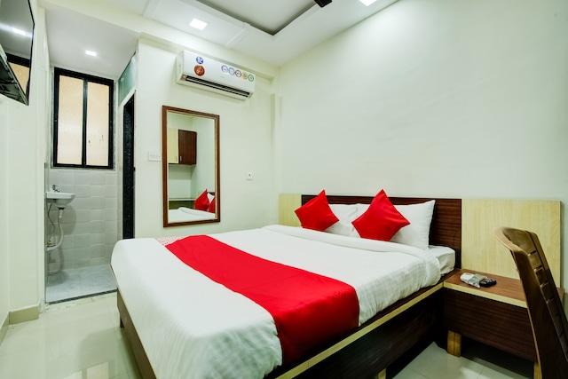 OYO 36742 Kunal Palace