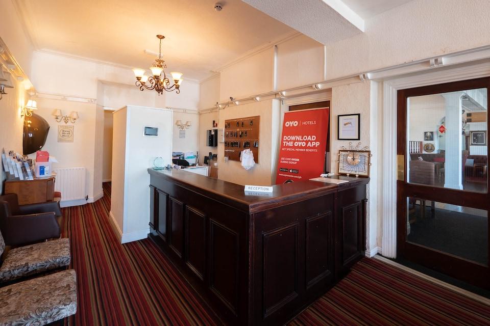 OYO Whitehouse Hotel