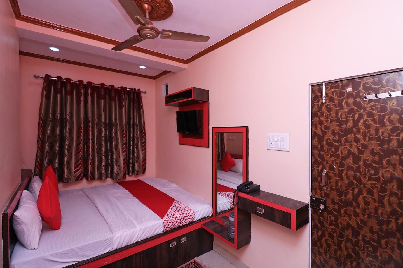 OYO 36914 Hotel Aditya -1