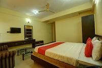 OYO 36976 Hotel Rajashree Comforts