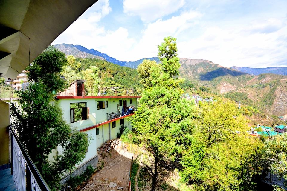 OYO Home 36981 Comfortable Studio Near Tibetan Market