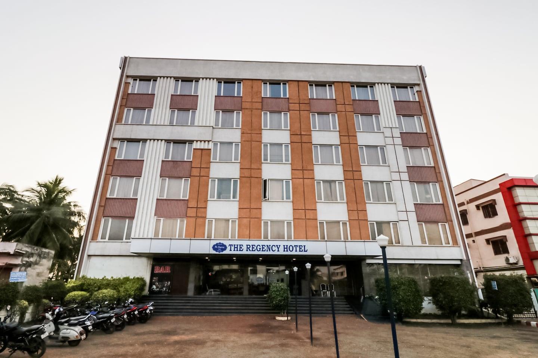 OYO 37001 The Regency Hotel -1