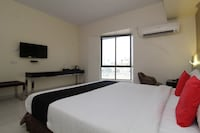 Capital O 37016 Hotel Patiala House Deluxe