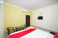 OYO 37021 Hotel Sitar International