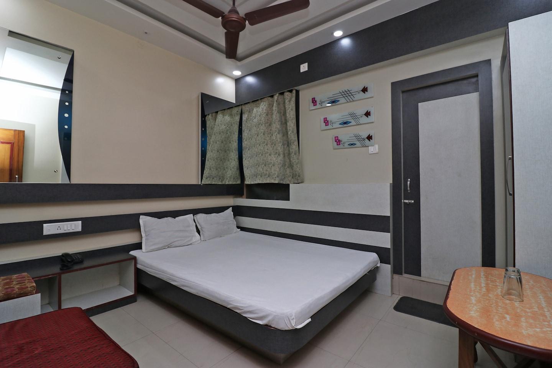 SPOT ON 37064 Hotel Sanskar Residential -1