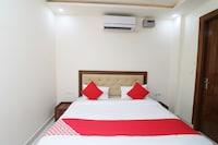 OYO 37078 Hotel Dezzire