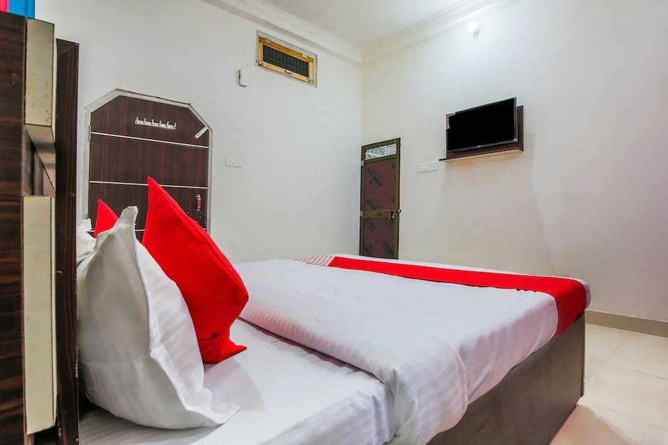 OYO 37103 Maa Vaishno Guest House, Ayodhya, Ayodhya