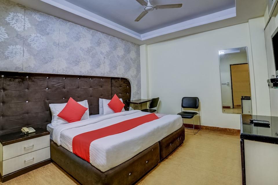 OYO 37118 Hotel Cosmo, Karol Bagh Delhi, Delhi