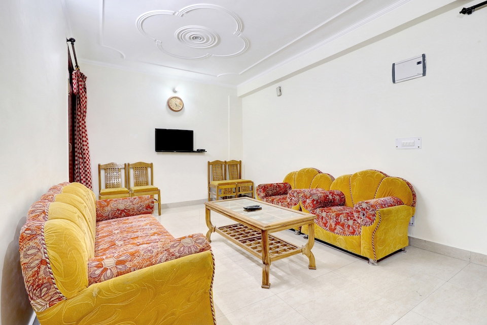 OYO Home 37125 Comfortable 2BHK Hills View
