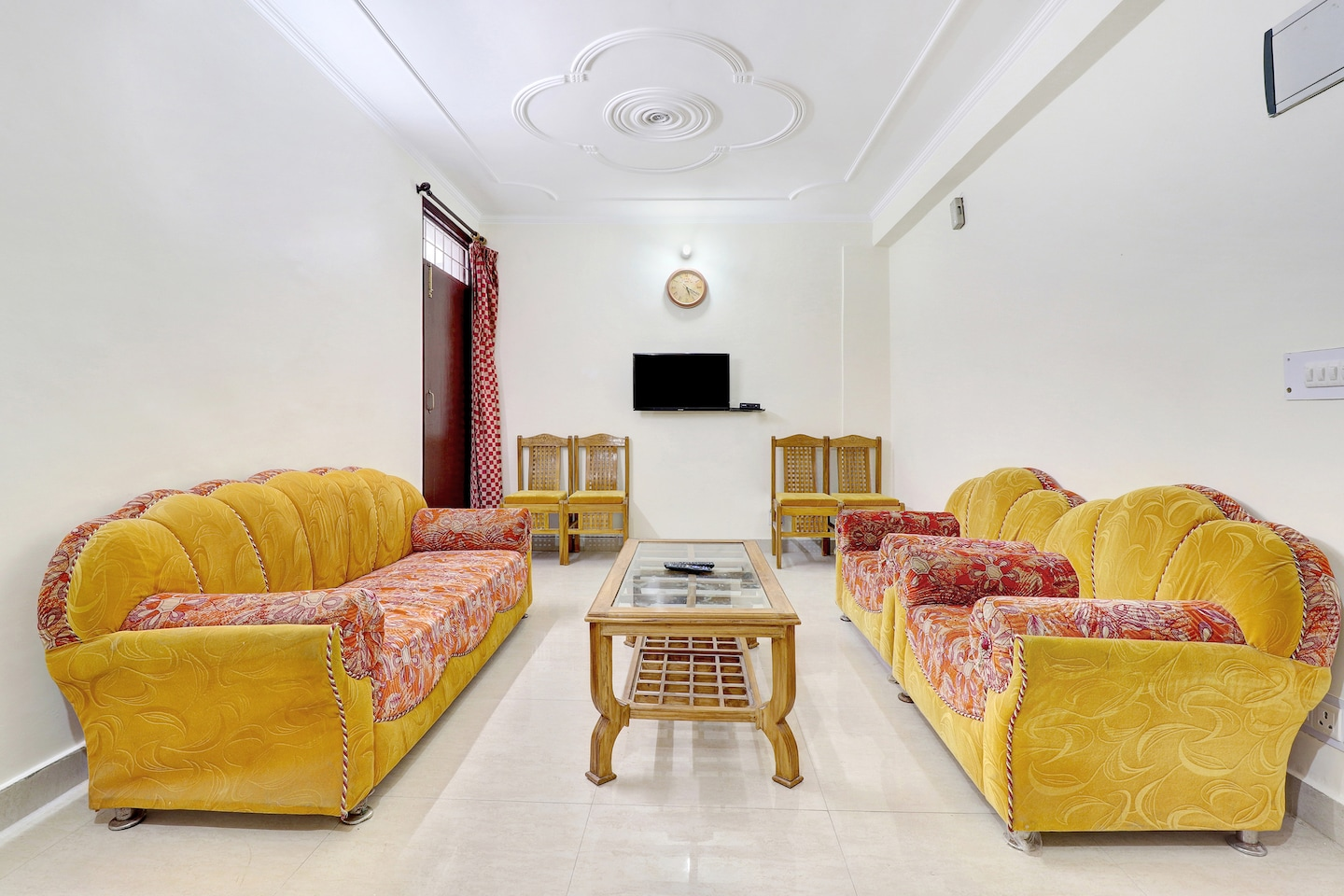 OYO Home 37125 Comfortable 2BHK Hills View -1