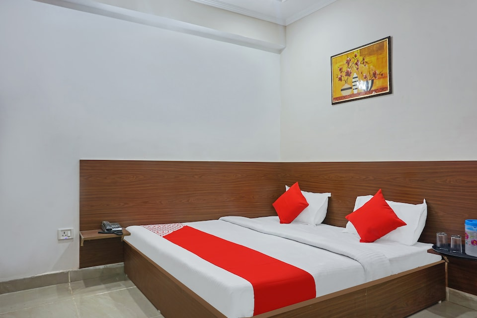 OYO 37169 Hotel Quadis