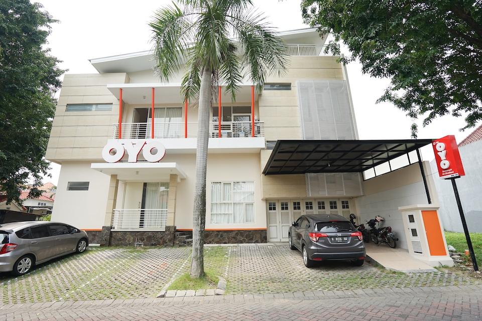 OYO 782 Menjangan Residence at Citraland 1