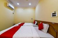 OYO 37221 Pujitha Residency