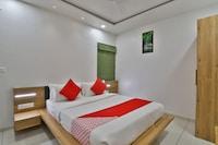 OYO 37230 Yashraj Hotel