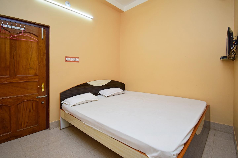 SPOT ON 37237 Mandal Lodge -1