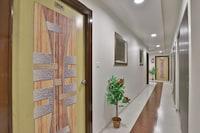 OYO Flagship 37271 Hotel Rajvi