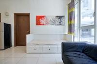 OYO Home 1053 Lovely Studio Regalia Suites