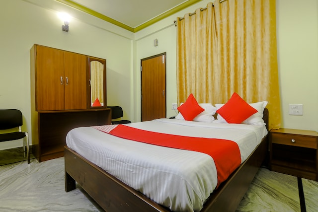 OYO 37280 Ghm Guest House Deluxe
