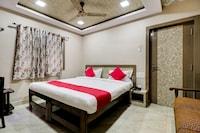 OYO 37284 Rajbhavan Inn Deluxe