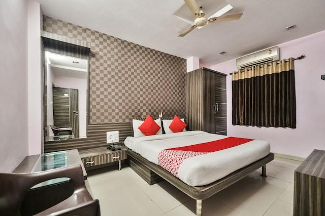 OYO 37287 Hotel Ajanta Deluxe