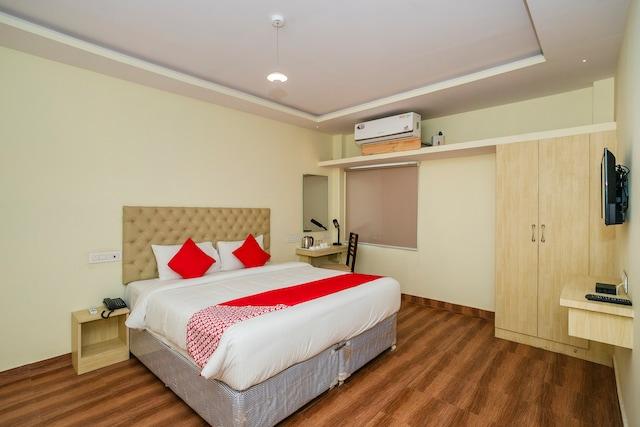 OYO 37297 Bheemudu Inn Deluxe