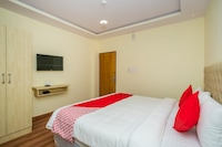 OYO 37297 Bheemudu Inn
