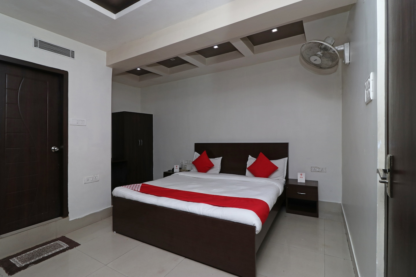 OYO 11722 Crystal Guest House -1
