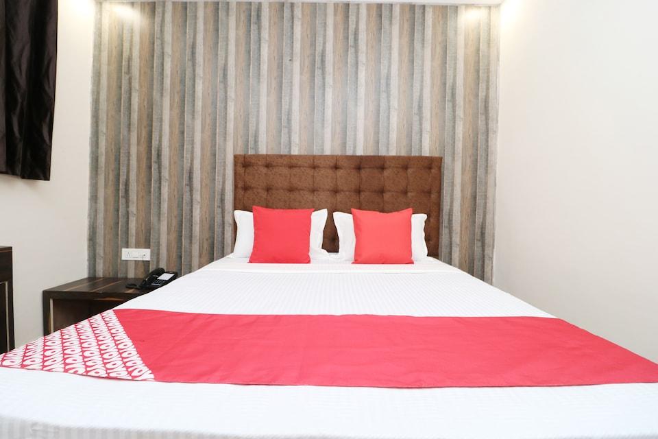OYO 37351 Hotel Krishna Royal