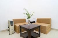OYO Home 37353 Classy 1BHK Apartment Kamyana