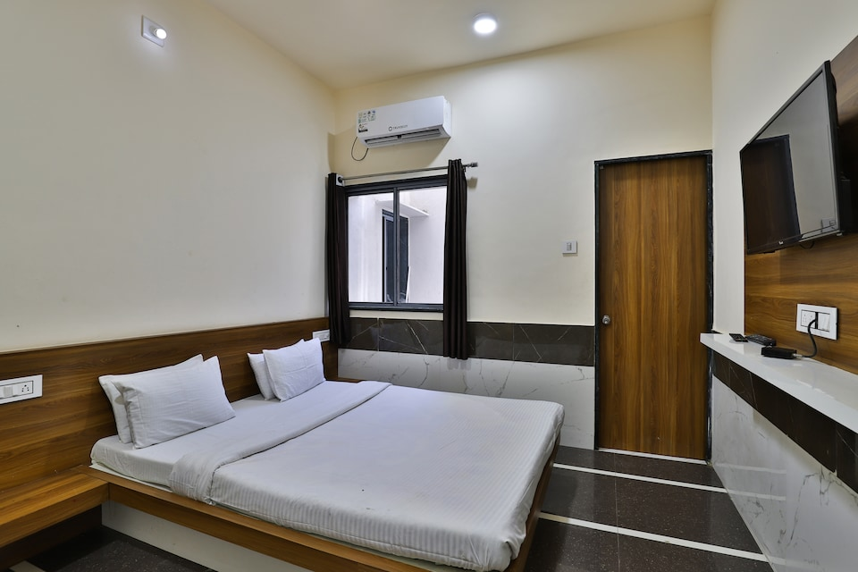 SPOT ON 37366 Hotel Mahalaxmi