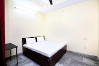 SPOT ON 37378 Hotel Sartaj 1 SPOT