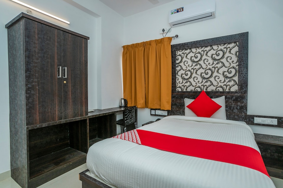 OYO 37397 Hotel Dhruv Palace