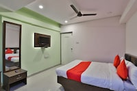 OYO 37398 Hotel Jalsa Palace