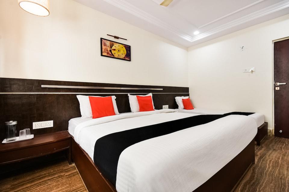 Capital O 37401 Hotel Shirdi Park Inn