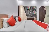 OYO 37404 Hotel Residence Inn Deluxe