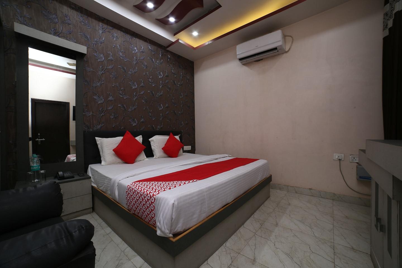 OYO 37405 Hotel Aman Inn -1