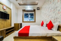 OYO 37451 Hotel Khushi Plaza Deluxe