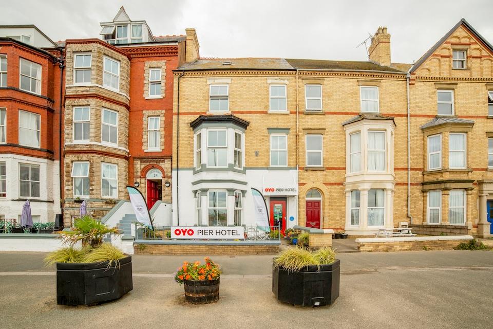 OYO Pier Hotel Rhyl, Rhyl (North England), Manchester