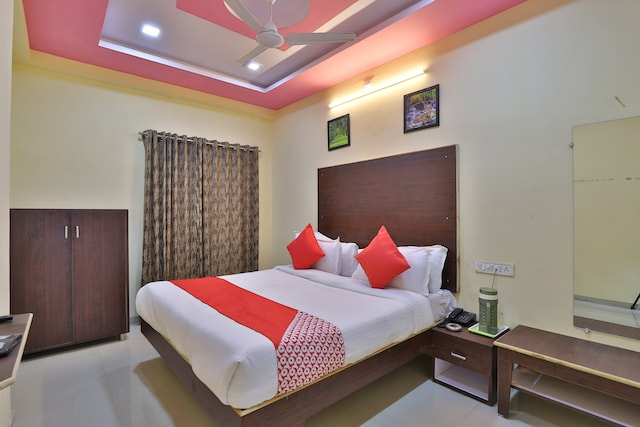 OYO 37477 D K Guest House